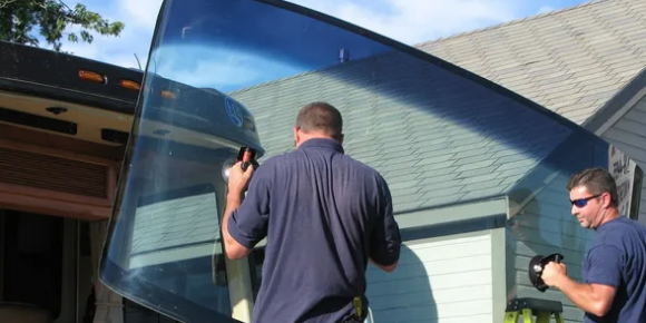 Nationwide RV Glass Repair & Replacement. We come to you, nationwide!